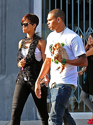Chris Brown and Riahnna shopping